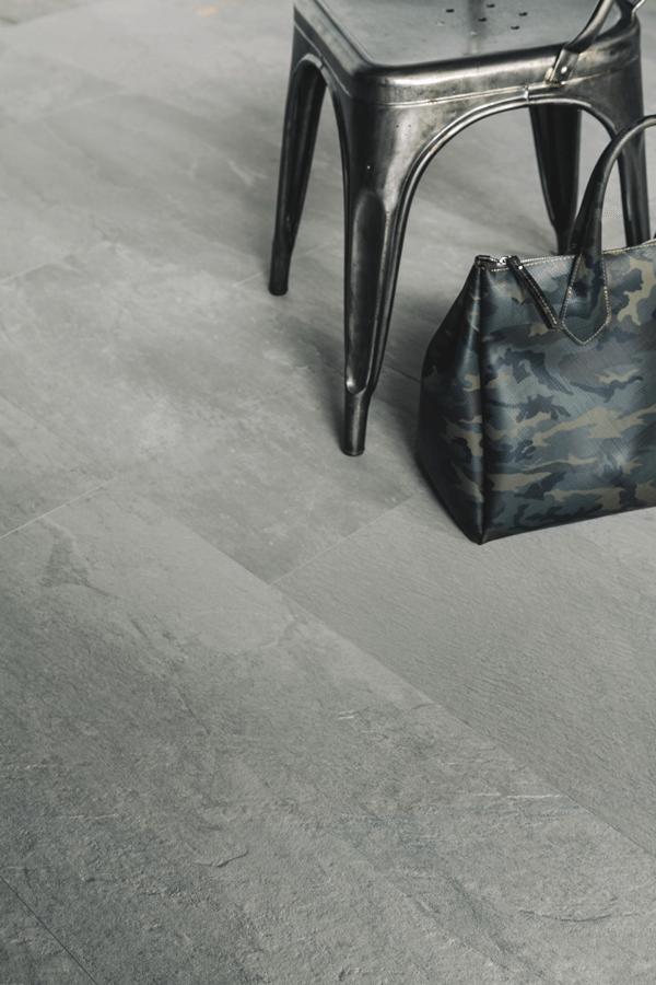 Carrelage imitation schiste de la série MOVE GRAY vendu chez Glaesener-Betz