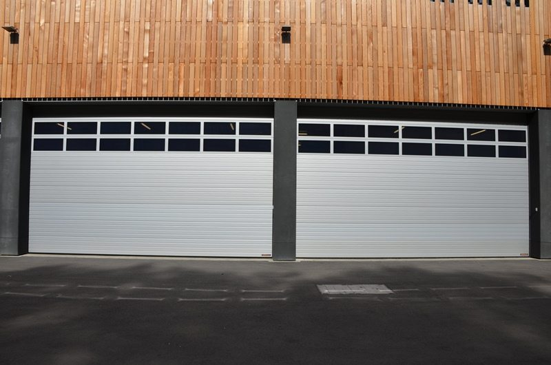 Service de canalisation à Bonnevoie (Ville de Luxembourg): portes sectionnelles industrielles HÖRMANN SPU40 posées par Glaesener-Betz.