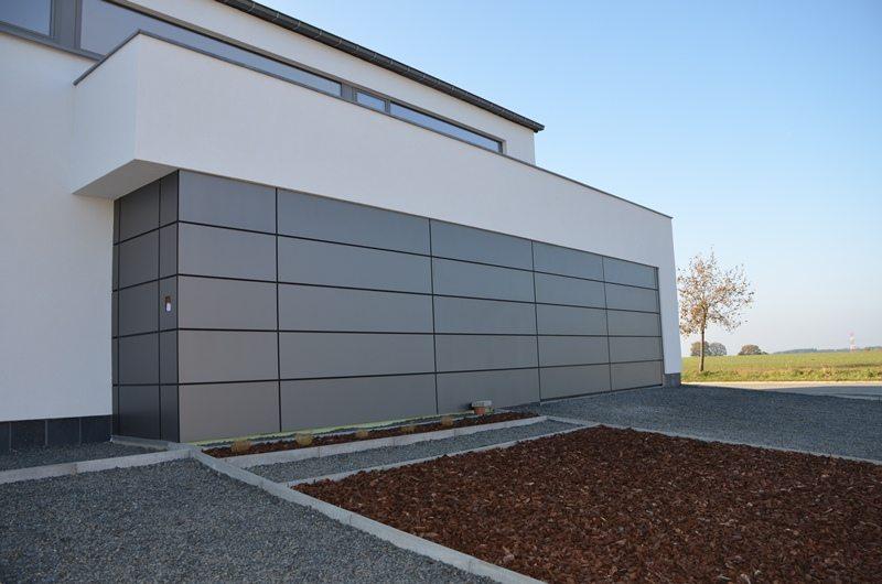 Porte à façade Hörmann ALR40 prévu pour un revêtement individuel (par le client)