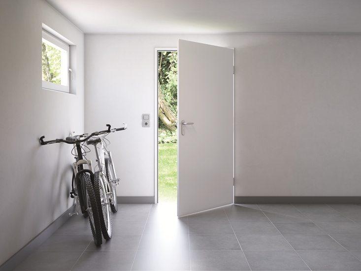 Porte de sécurité Hoermann KSI pour caves, annexes non chauffées, garages, ... vendue et posée par Glaesener-Betz.