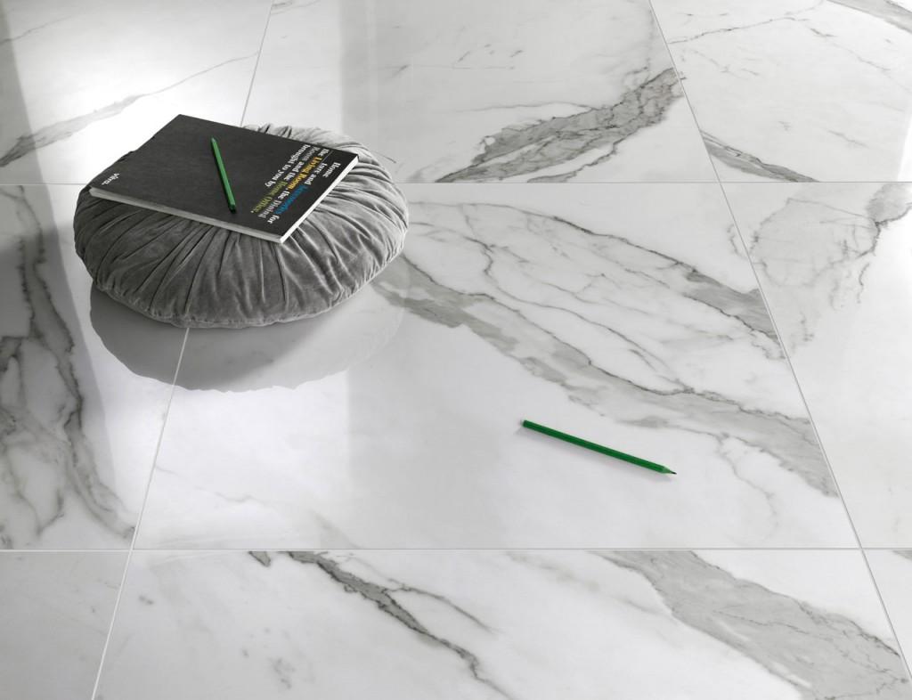Carrelage imitation marbre de la série DREAMING CALCATTA vendu chez Glaesener-Betz