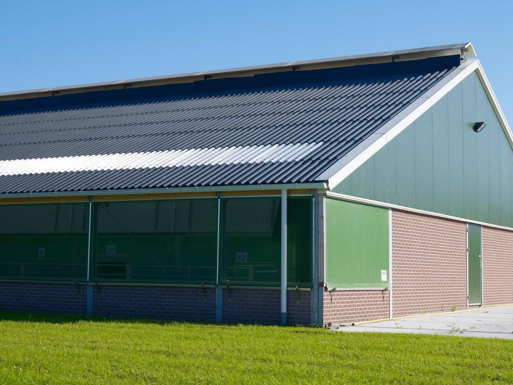 Plaques ondulées en fibres-ciment pour couverture de toiture en vente chez Glaesener-Betz
