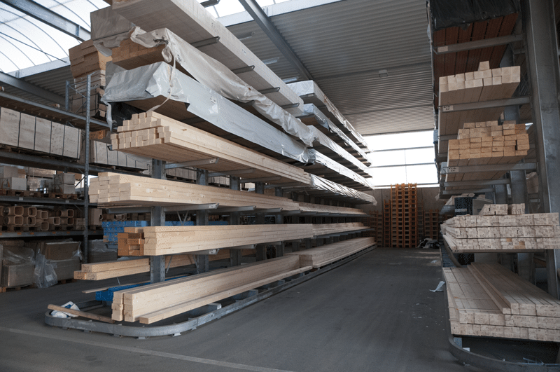 Poutrelles KVH et lamellés collés de stock dans notre dépôt