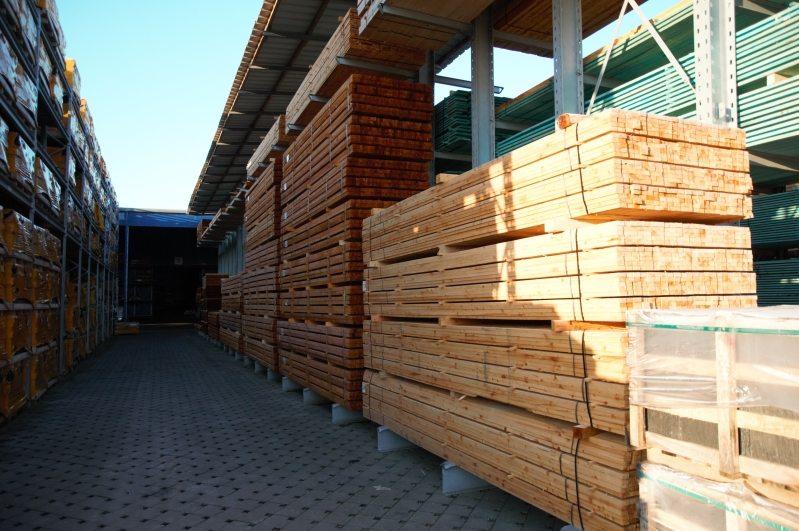 Bois de charpente dans notre dépôt