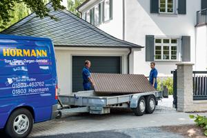 Renovation de votre porte de garage: nos propres monteurs viendront enlever votre ancienne porte et installer votre nouvelle porte, le moteur et ses accessoires, cela prendra une journée.