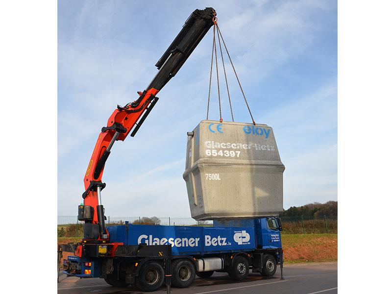 Glaesener-Betz vous livre vos matériaux de construction à votre dépôt, sur chantier et même directement sur toiture avec nos camions-grues !